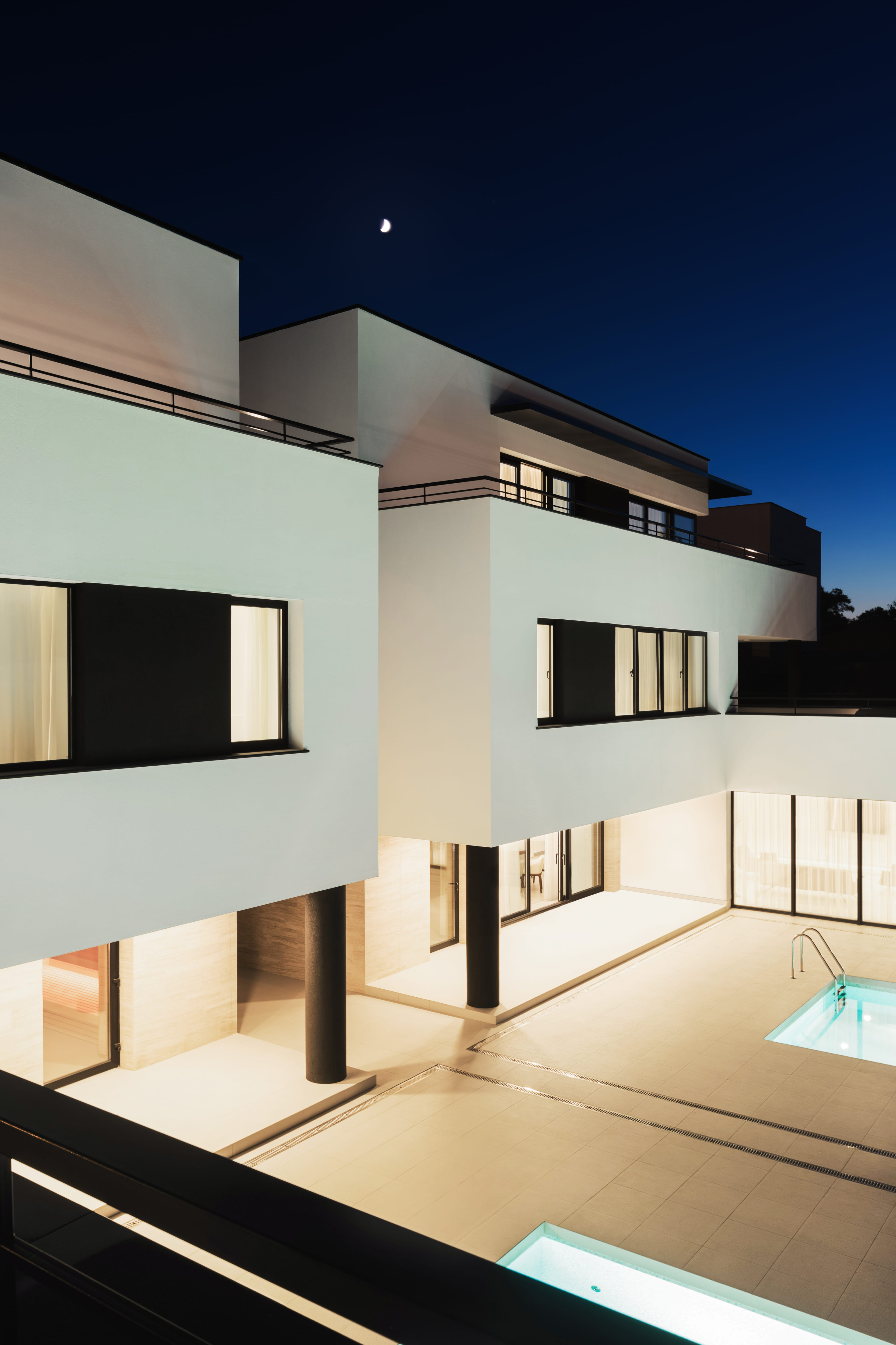 evening backyard modern facade